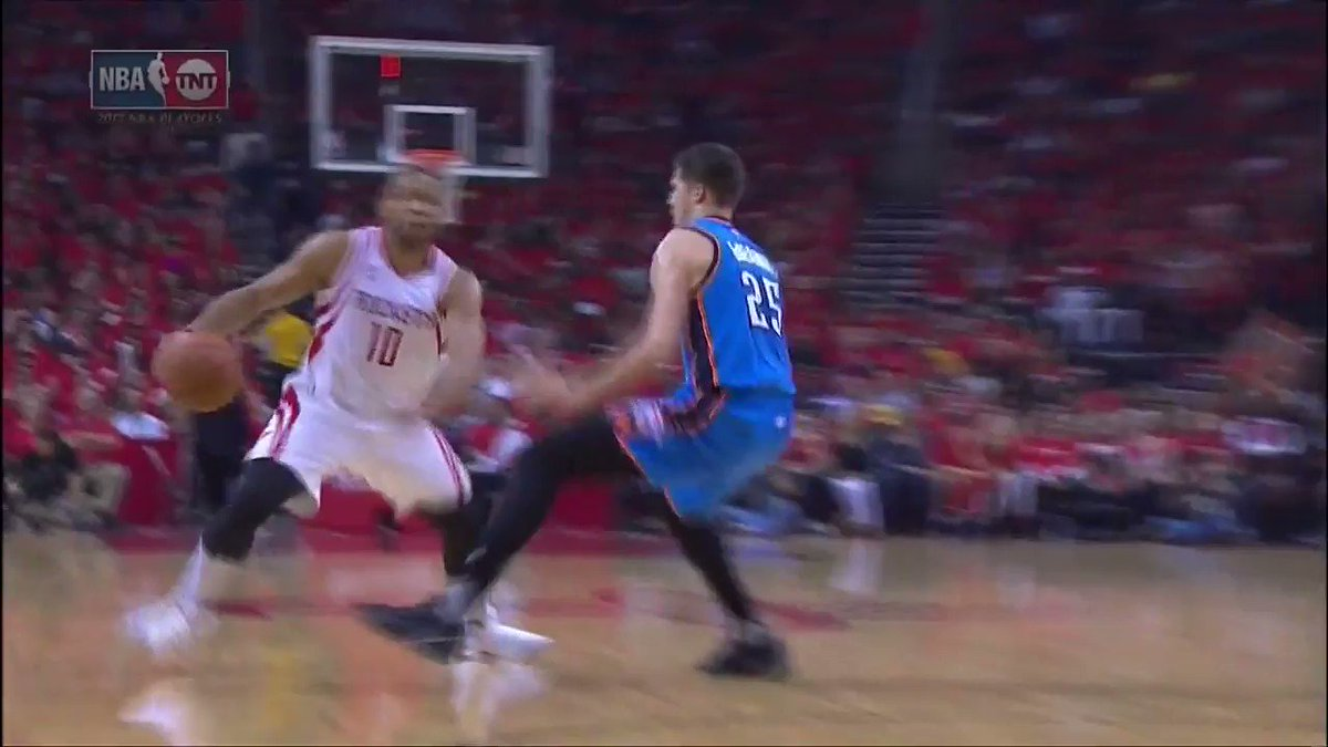 Eric Gordon with the POSTER!!! https://t.co/B2O51XNYYY