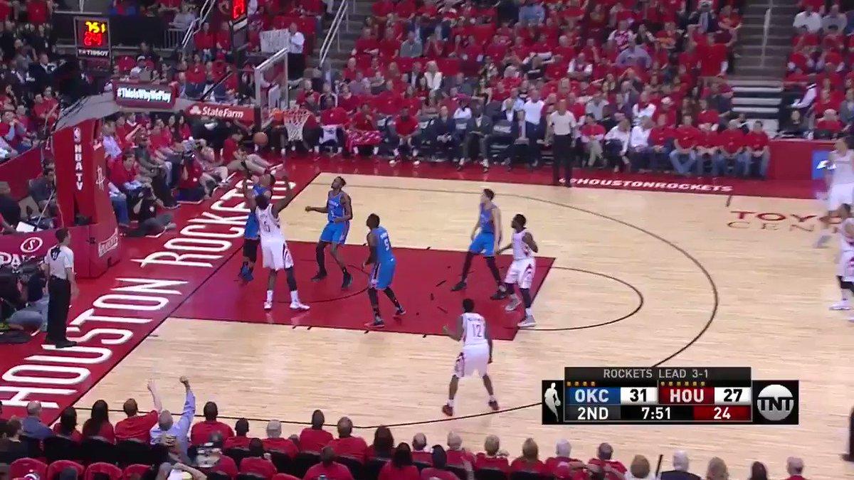 Eric Gordon dunks all over Jerami Grant https://t.co/A1R2MxCSYE