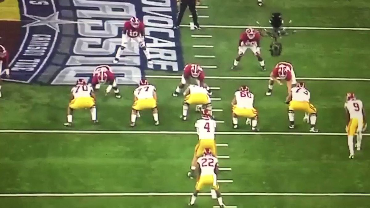 Reuben Foster film vs. USC -- Check out the speed to the ball. And the hit. Physical player. https://t.co/8pFkXZrEcb