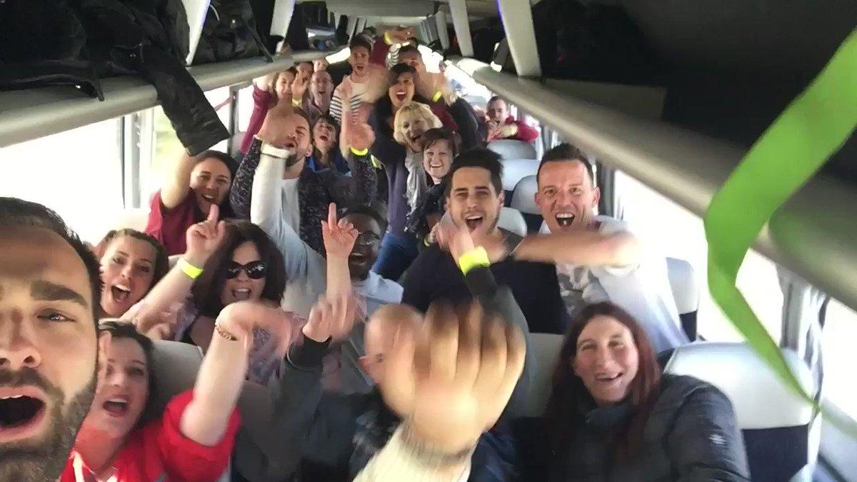 Ils arrivent les fanzouzes ! #Babacar #TPMP #1000FoisMerciCyril  #TPMP...
