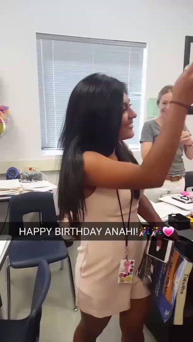 HAPPY BIRTHDAY BABY ANAHI, HOPE YOU HAVE A GREAT DAY!LOVE YOU