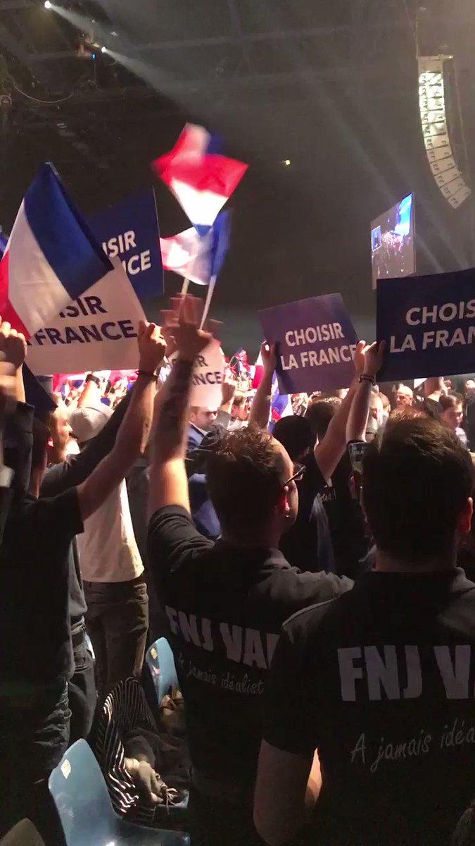 🔥 Ambiance de folie à Nice !  #MarineÀNice #ChoisirLaFrance https://t....