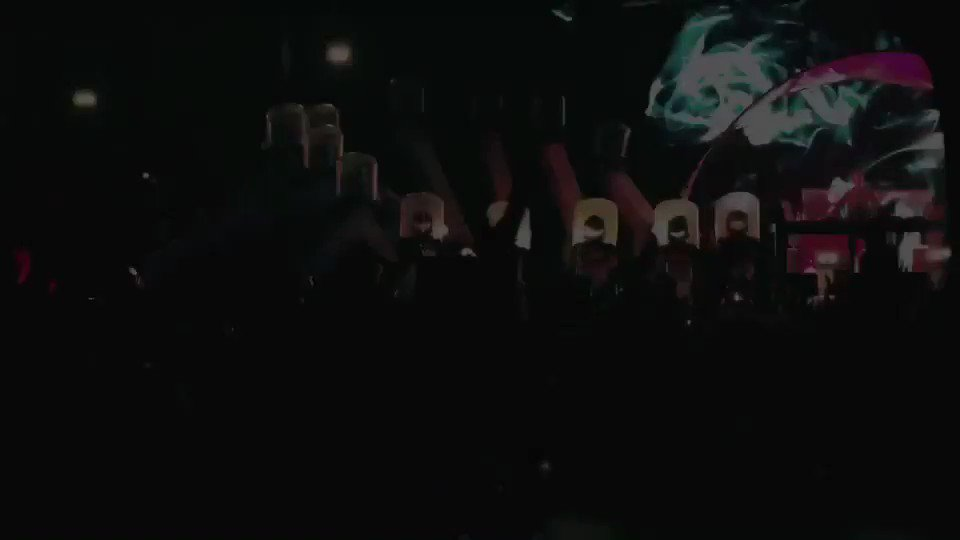 The Chainsmokers x Coldplay x R3HAB https://t.co/2zms54bj3a