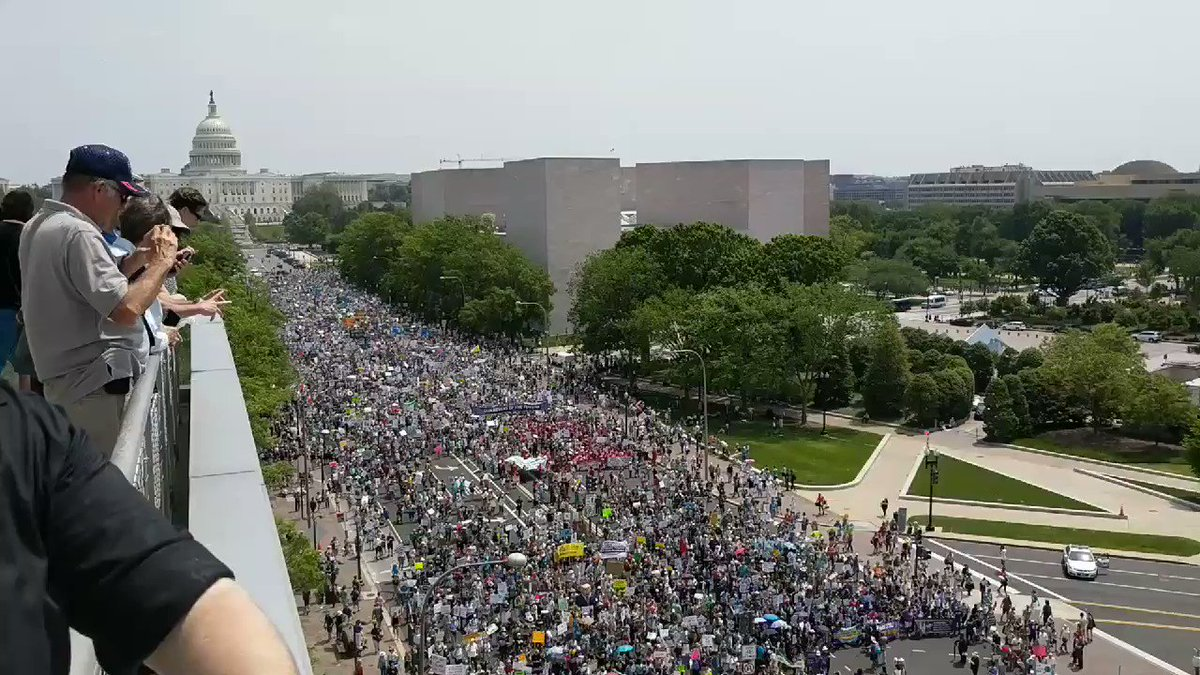 The #ClimateMarch in Washington DC is moving through the streets, and it is HUGE. https://t.co/tFSme9r7jh