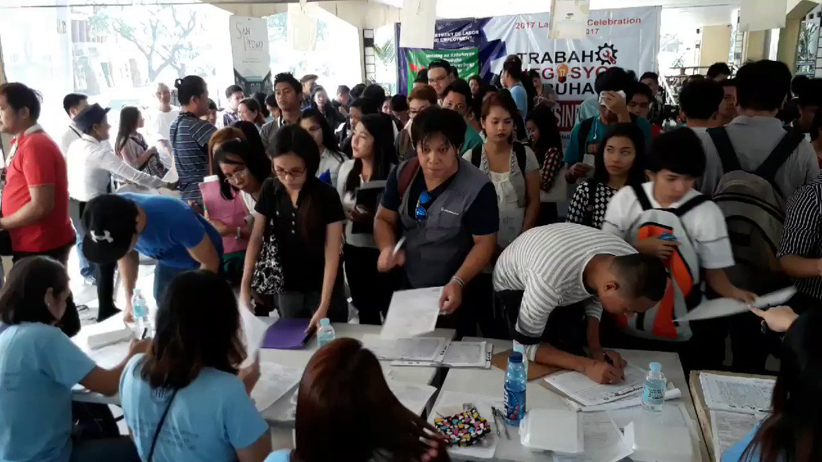 Nasa mahigit 1,000 na ang aplikante sa job fair sa Quezon City Hall, as of 9 A.M. | via @glenjuego  https://t.co/tbmbBvWZ59