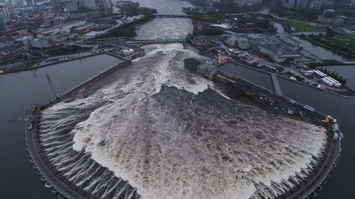 WATCH: Aerial footage of the raging Ottawa River at Chaudière Falls https://t.co/XjDoN3cmc5 (via @hydroottawa) https://t.co/adP4bSyHqX