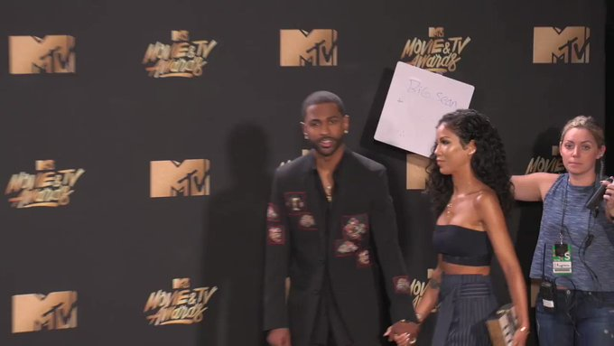 😍😍 @BigSean and @JheneAiko at the #MTVAwards