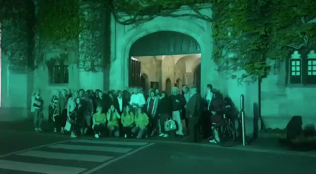 #WOCD Galway @EmerCaseyFndtn Cois Cladaigh Choir #NUIG quad, lit up in Teal. Amazing @awolanne @OvaCare