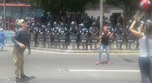 Opposition protest in Calle Los Baños, Maiquetía, Vargas
