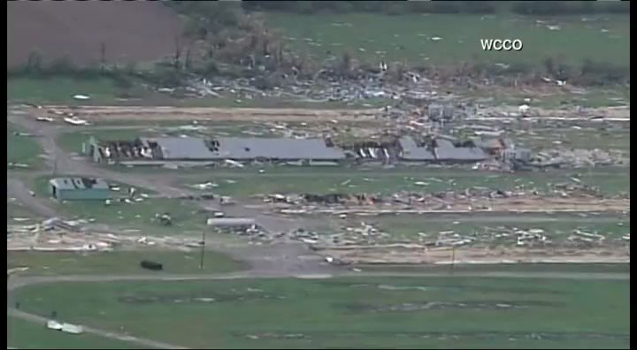 This is video from our CNN partner WCCO of the devastation following that tornado that touched down in Chetek https://t.co/jNBf4nCAOY