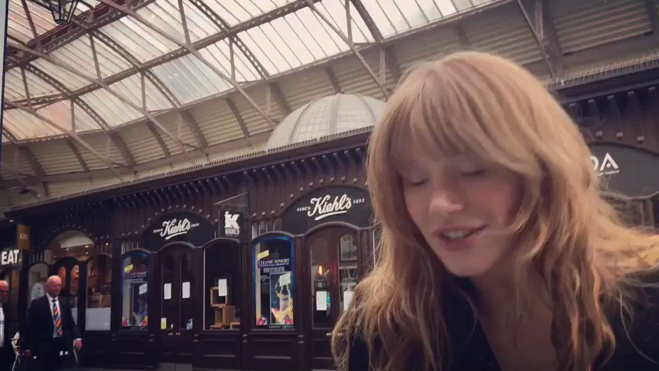 RT @BryceDHoward: Getting profound while strolling through Windsor--  #canyoupaymyautomobills https://t.co/kXyYnATXqH