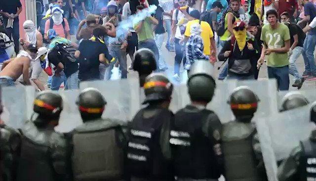 Álvaro Uribe se las canta  clarito a los tiranos de Venezuela! https://t.co/NnrT8molgG