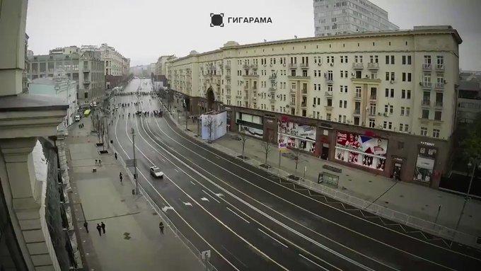 Река Бессмертного полка: Несколько часов шествия по Тверской за две минуты