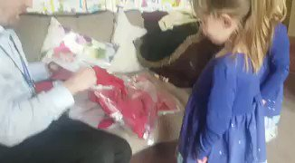 'My daughter's reaction to getting the new Liverpool kit...' 😂https://t.co/LPiwmGY7ug