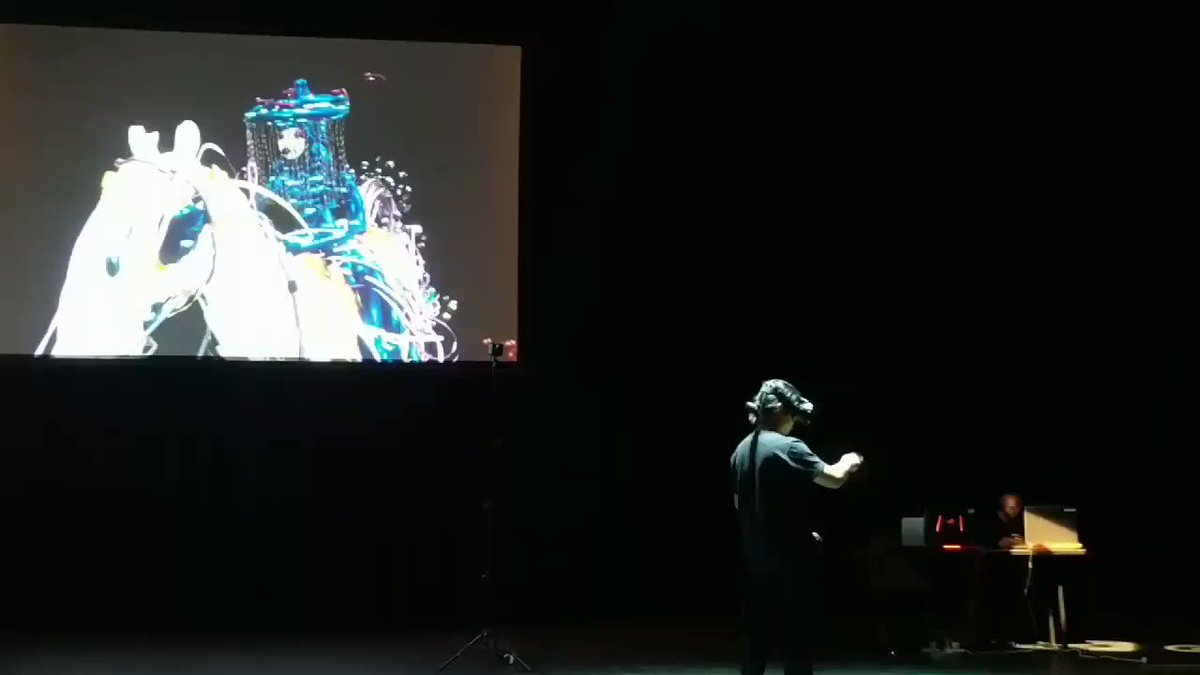 Live #TiltBrush art happening at #semipermanent. Kinda awesome :) @semiglobal @googledownunder