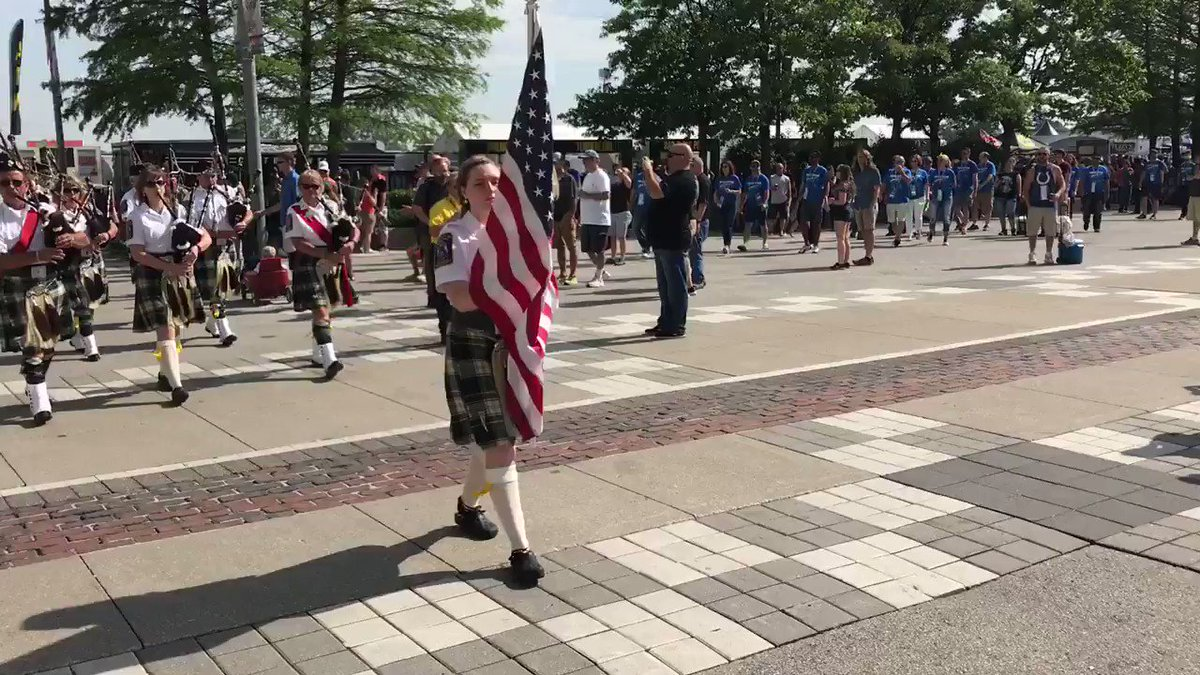 Race fans, we have our first #GordonPipers55 sighting! 🙌@Indy500Pipers...