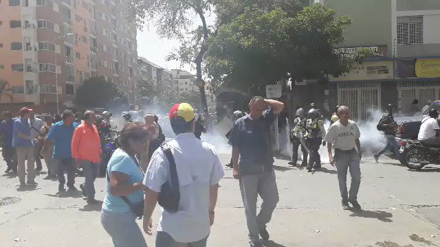 #26May #PNB dispersa manifestación en la avenida Victoria https://t.co...