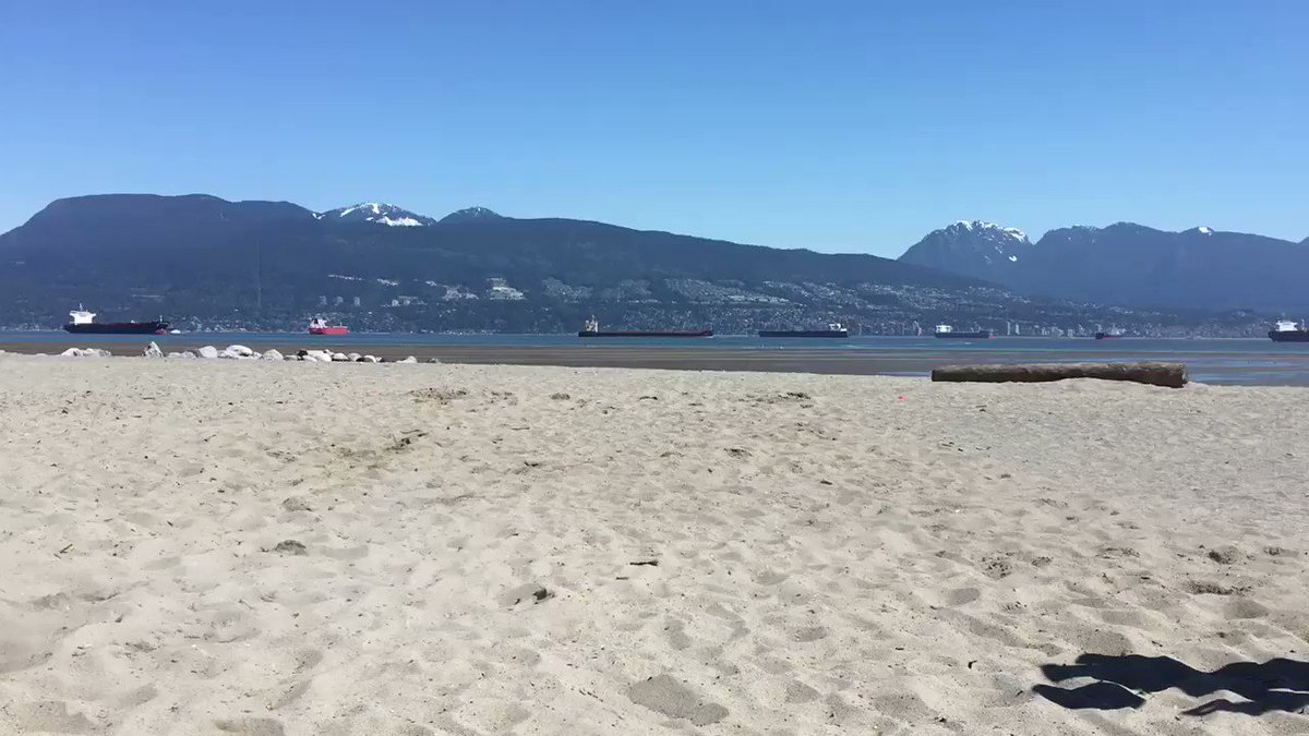 Beauty day for a beach workout. #WeAreAllCanucks https://t.co/t9PMjgmQ...