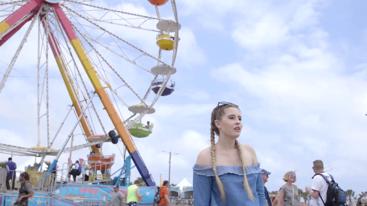 Catching up with @findingfletcher at @Hangoutfest was literally a wild ride https://t.co/cPOV1mhenx https://t.co/o22Z78zWKA