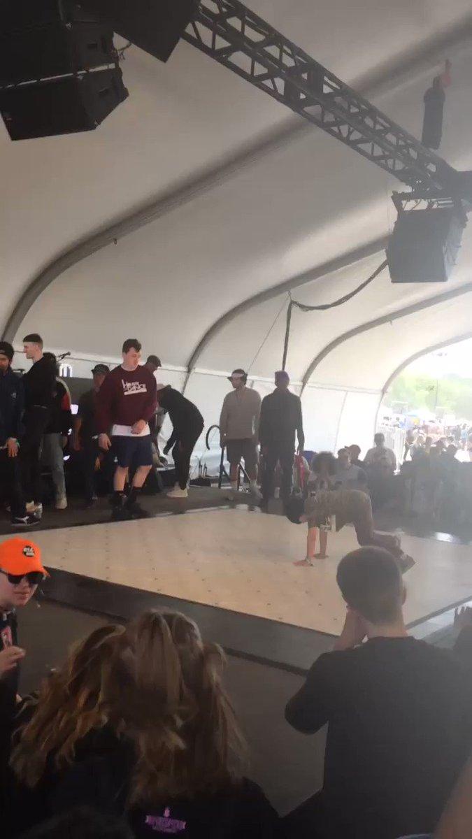 Hip Hop elements at #soundset2017 teach the youth! https://t.co/8RJIk2...