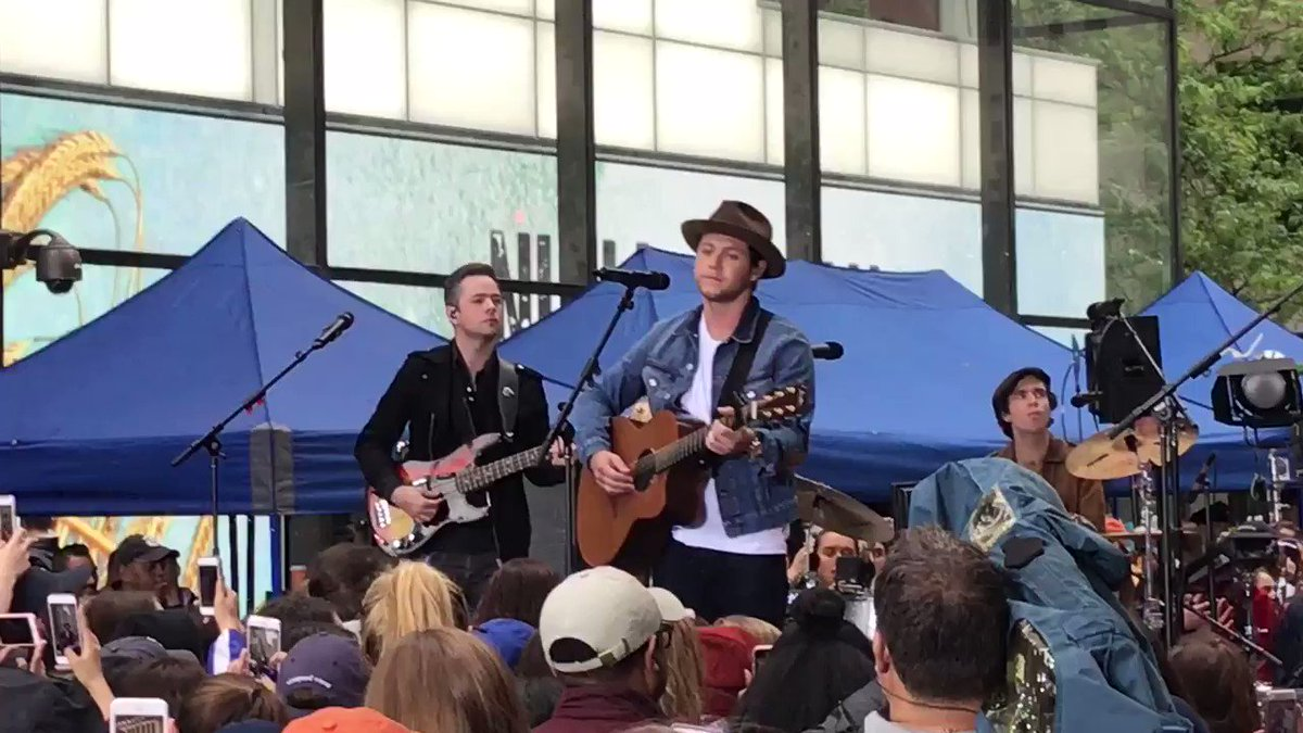 🎶This Town🎶 #NiallTODAY