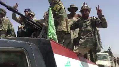 اللحظات الاولى لوصول #الحشد الشعبي الى  الحدود العراقية ـ السورية #نهاية_دولة_الخلافة #نصر_رمضان_العراق  #العراق_مقبرة_الدواعش