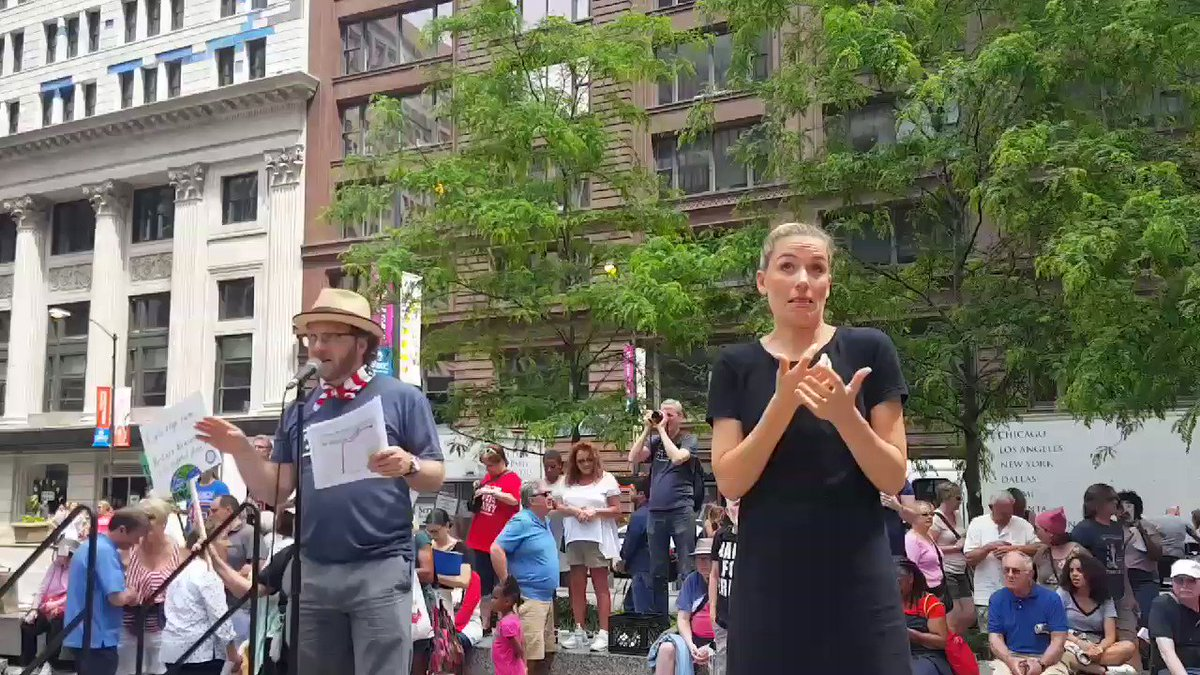 The #MarchForTruth is underway! @RepSchakowsky @RepMikeQuigley @RepRobinKelly @AmaraEnyia #Chicago https://t.co/ZjMybAEso9