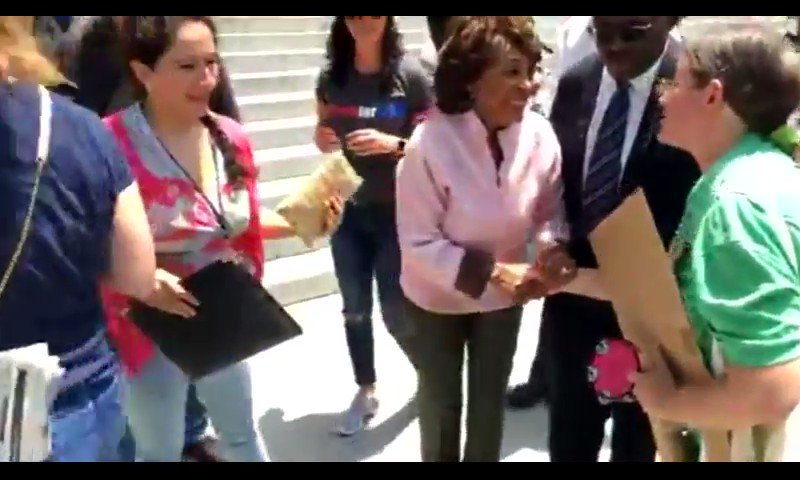 Here's the full @MaxineWaters @mtracey interview. Sensitive viewers, you are warned. https://t.co/gyU2pw6FdD
