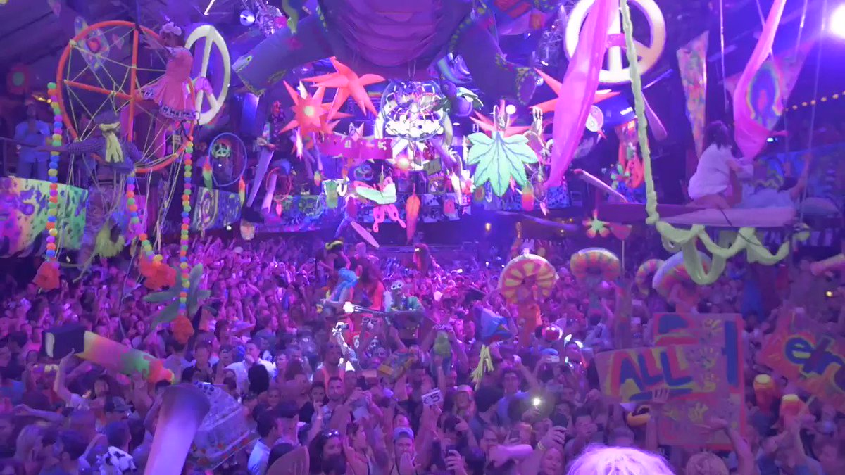 23 seconds of madness at @elrow_ Opening Party last night at @Amnesia_Ibiza https://t.co/DtKeiEcenJ
