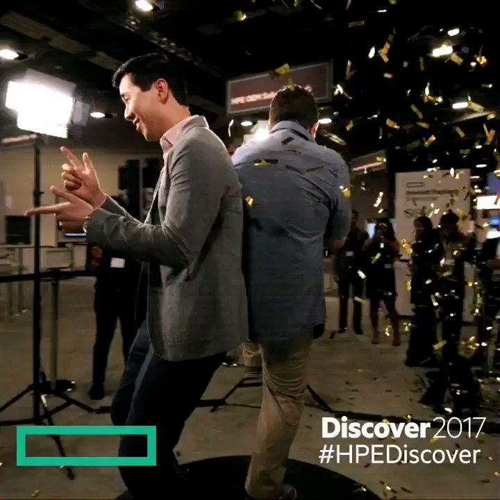 Doing what we do at #HPEDiscover. Having a great time. https://t.co/gzPgvIiiSI