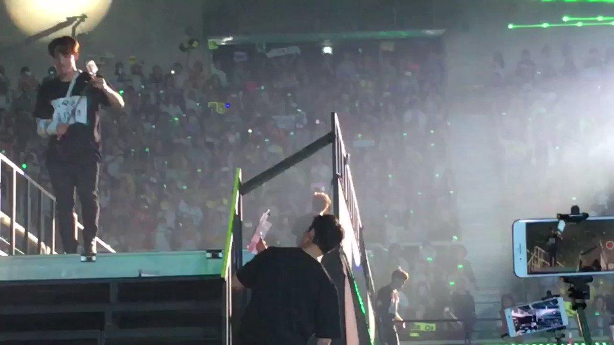 "OkKay moment! ""Taecyeon saranghae-"" https://t.co/8ijD2SZkP5"