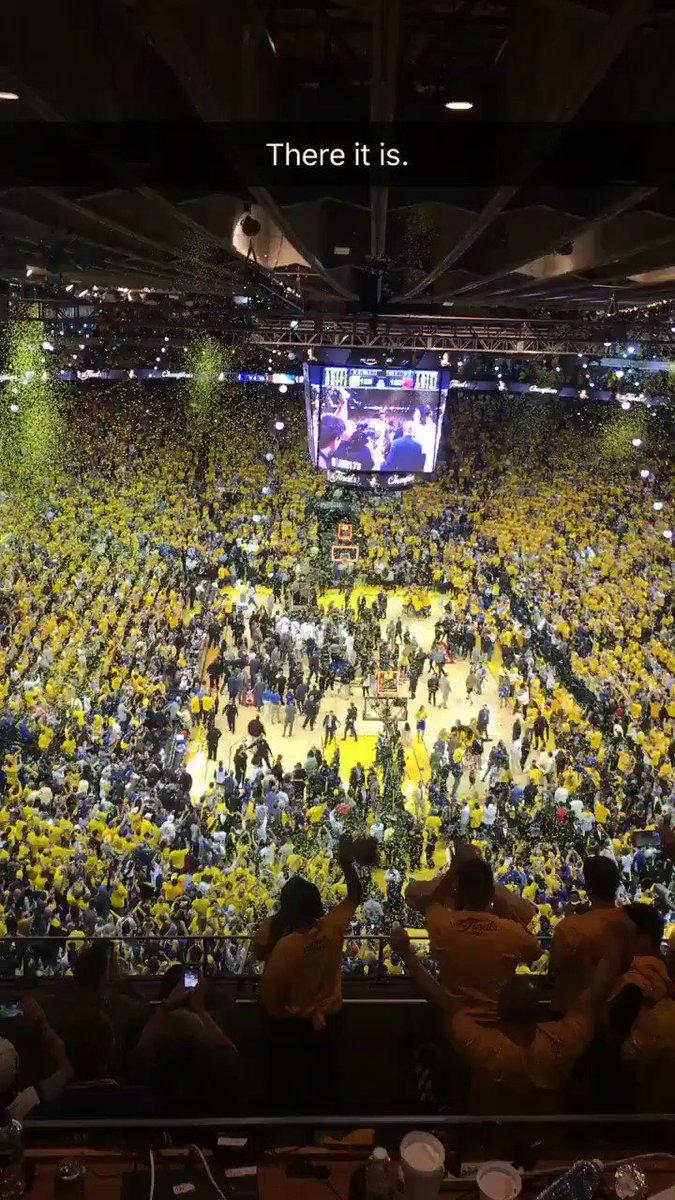 2016-17 World Champs. #Warriors https://t.co/aKCNddpRSU
