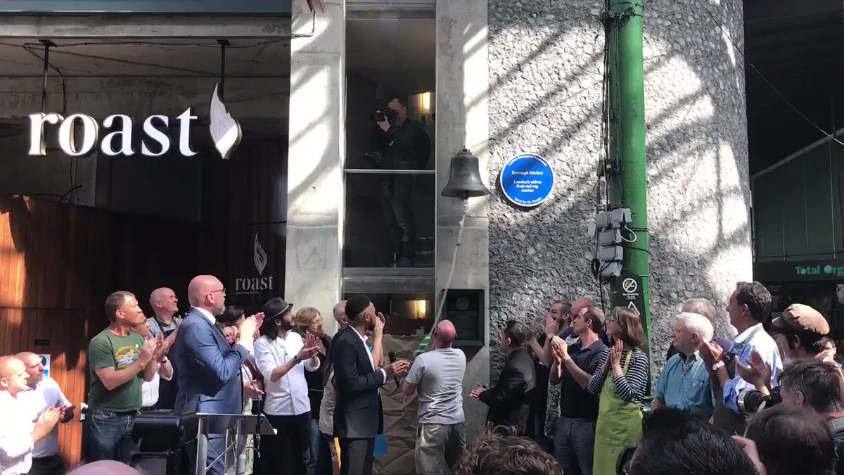 The moment when @boroughmarket reopened for business #loveborough https://t.co/cLvtYxnFaa