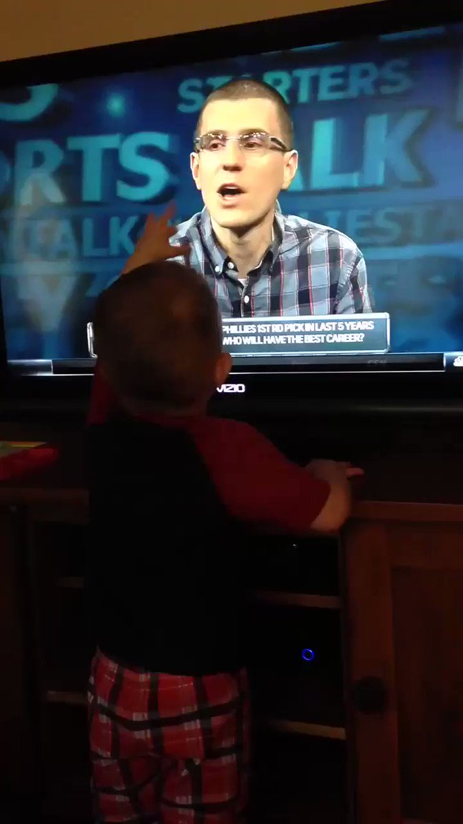 My son saying hi to me while I was on @PSTonCSN is my favorite thing ever.