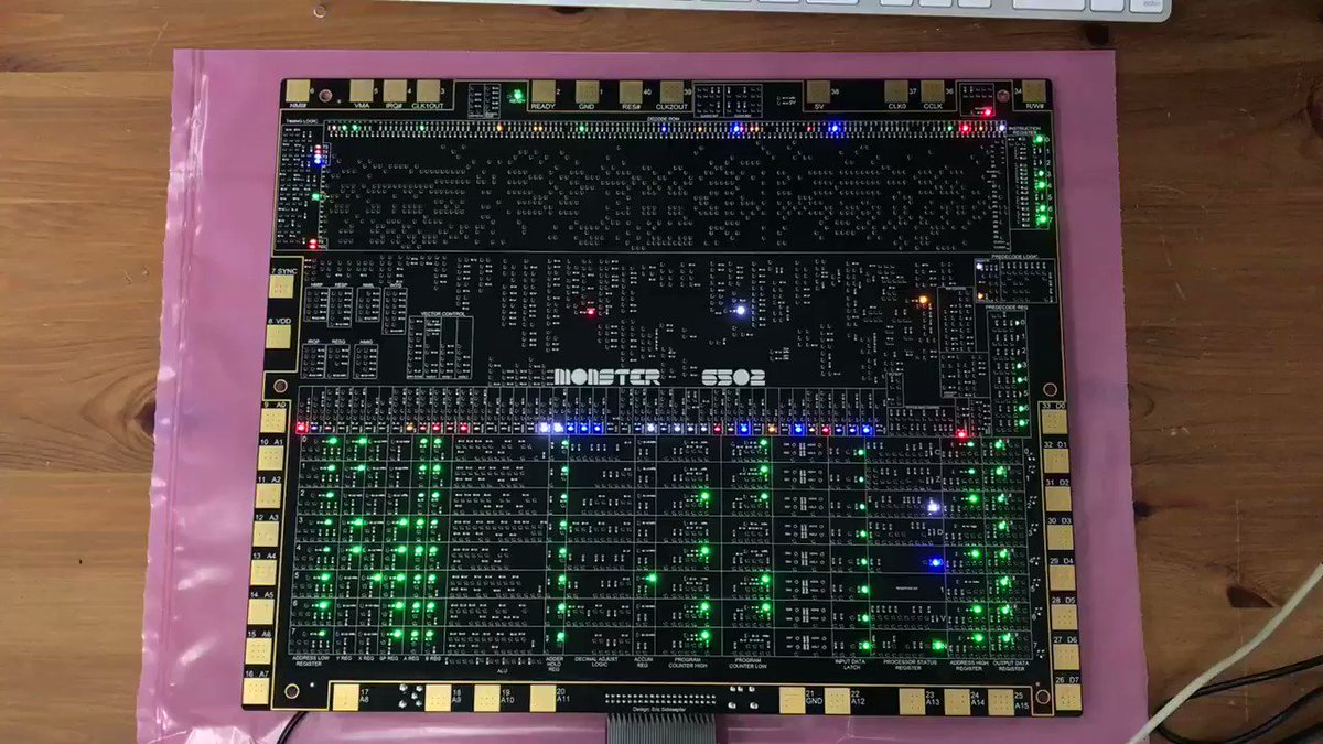 The new version of the #MOnSter6502 is up and running! https://t.co/Mlz3Tidje2