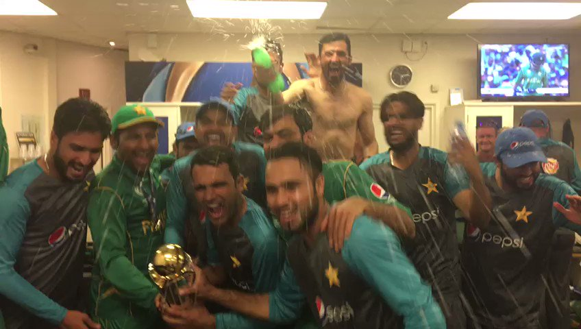 Party time in the Pakistan changing room 🎉🇵🇰 #CT17