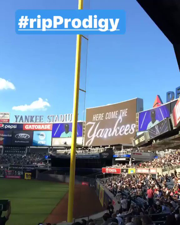 the @yankees had the illest tribute to P #RIPProdigy https://t.co/g1Y4fJkVRk
