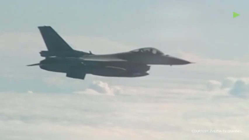 Russian Su-27 warns off NATO F-16 trying to approach defense minister's plane over Baltic https://t.co/uD8hhcX6Fe