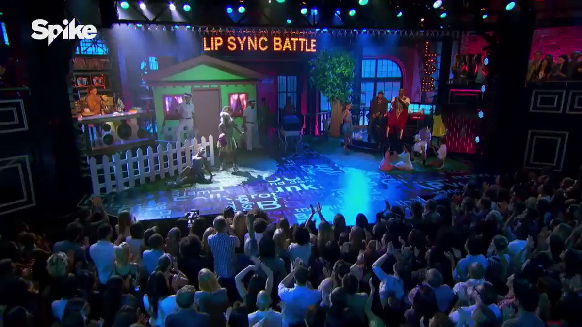 This is everything @skylarastin!!!!!!!!! #milfmoney #lipsyncbattle �������� https://t.co/nfxk3twJJ6