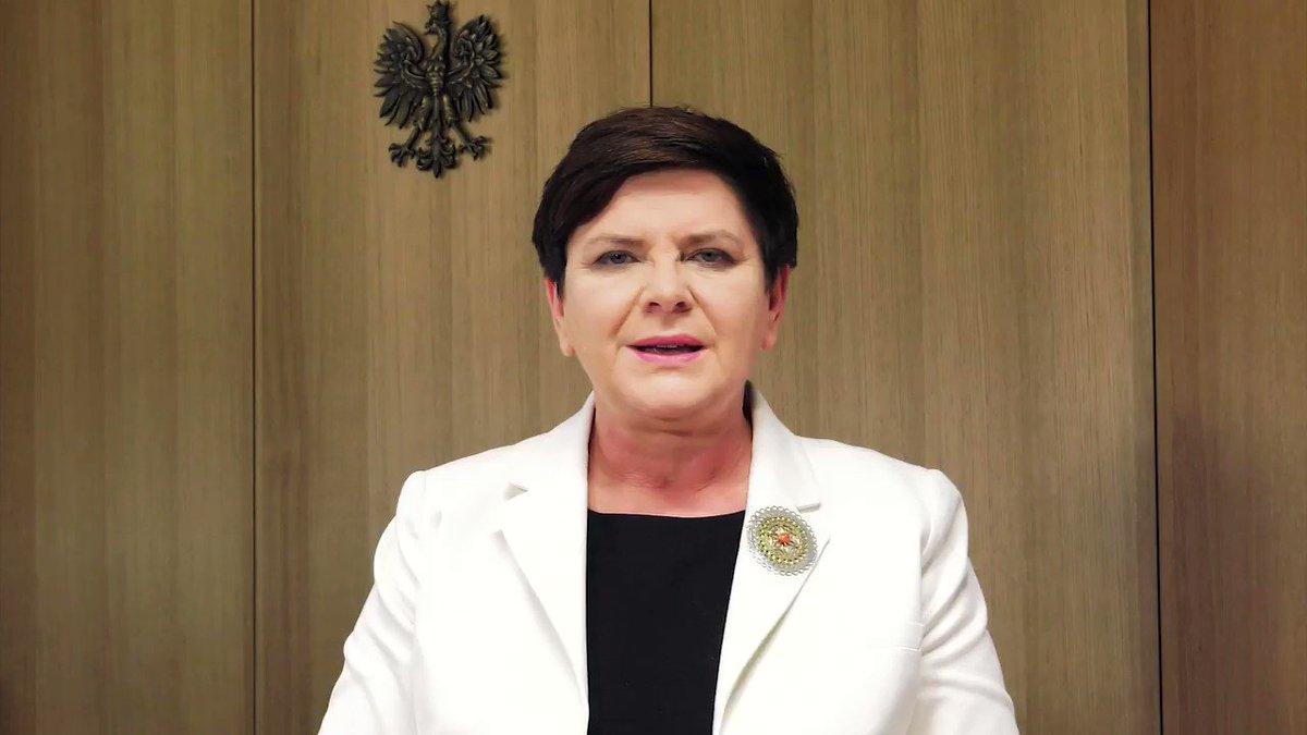 Życzenia premier @BeataSzydlo z okazji #ZakończenieRoku i #DzieńOjca....