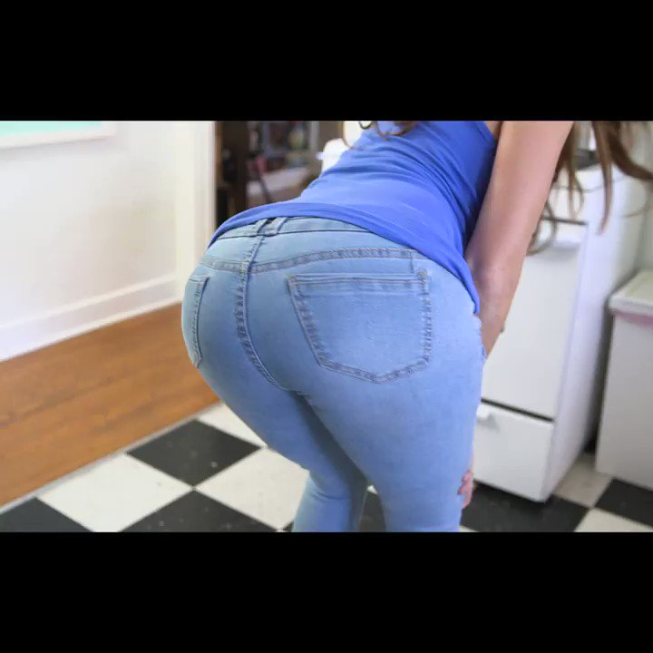 New Skit �� Ever send a dick pic to the wrong person? �� https://t.co/YHmmIkm0yM