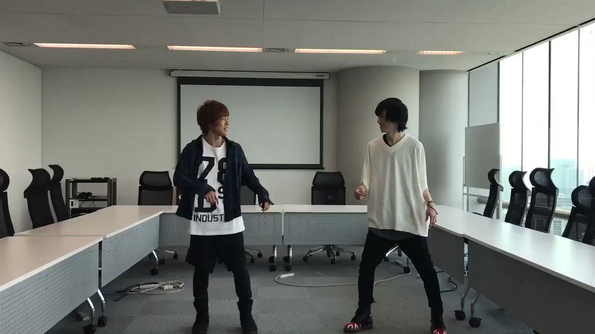 安達勇人と廣瀬大介がP4withT『Prince Night~どこにいたのさ!? MY PRINCESS~』を踊ってみた。in avex本社