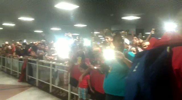 O Mengão está na Bahia! E no aeroporto de Salvador, a sempre calorosa recepção da Nação Rubro-Negra #VamosFlamengo