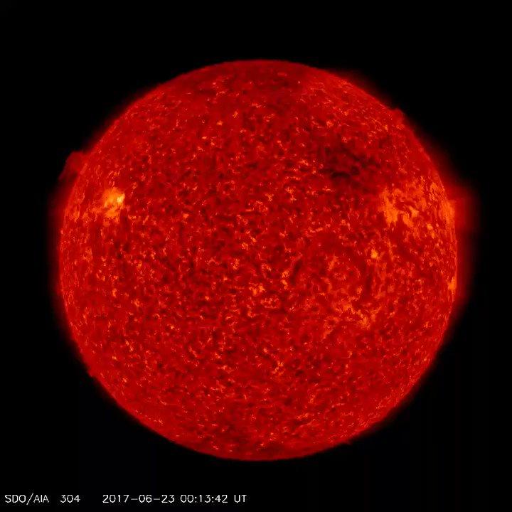 Buenas días y #FelizDomingo El #Sol hoy, imágenes captadas por el tele...