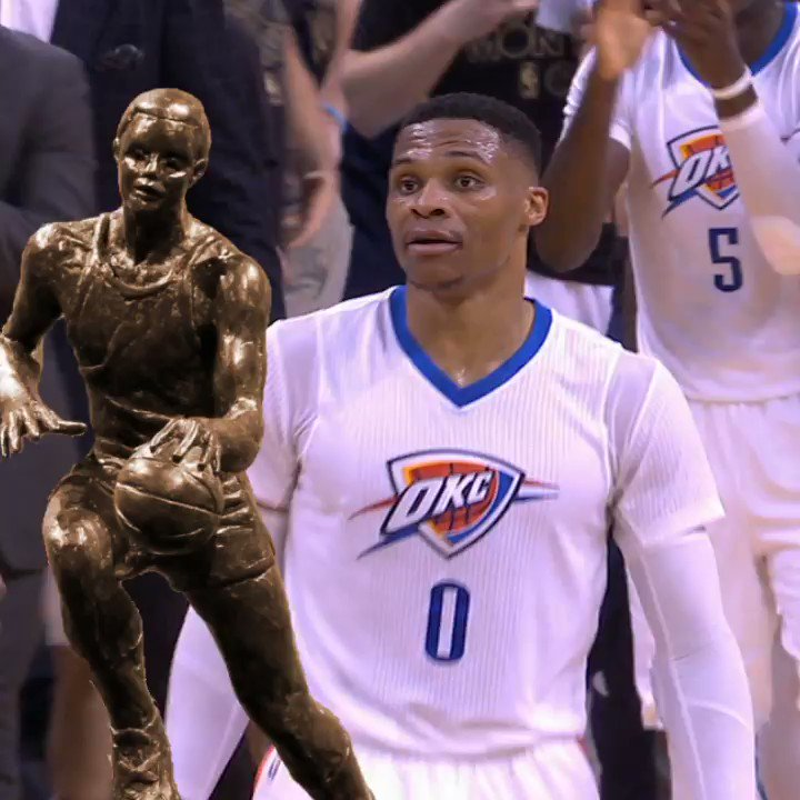 RT if you think Russ is comin' for that MVP trophy tonight https://t.c...