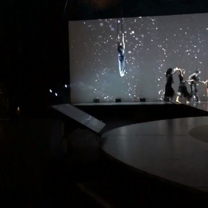 That was an amazing opening to #dasSMACC #inspiring https://t.co/o3vdd...