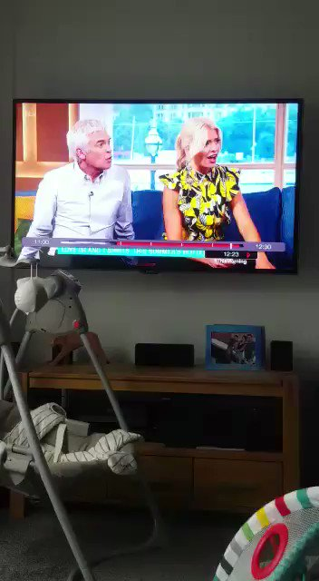 RT @BlazinSquad: 😂😂😂 loved this ! CC @Rylan @hollywills @Schofe https://t.co/XMxzpJKKVN