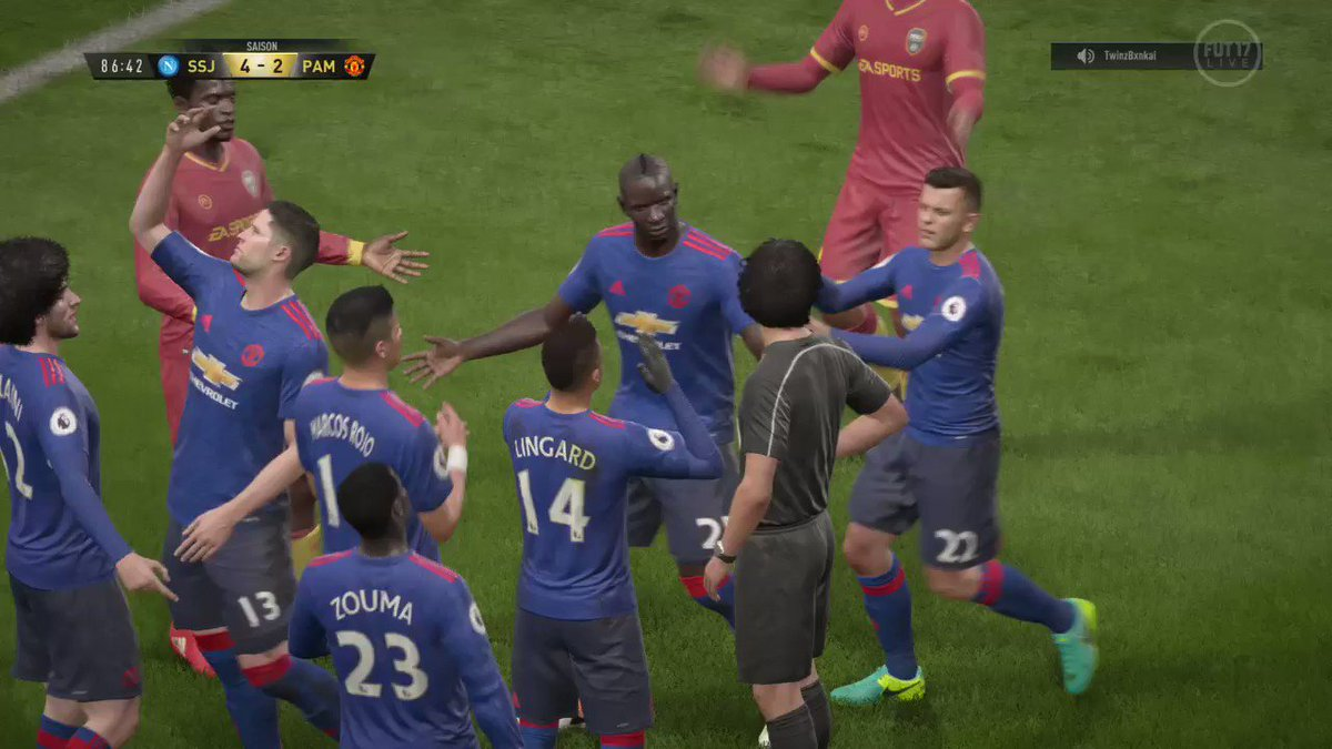 #LaVieEstBelleQuand ton gardien se prend pour Juninho 😍 #PS4share http...