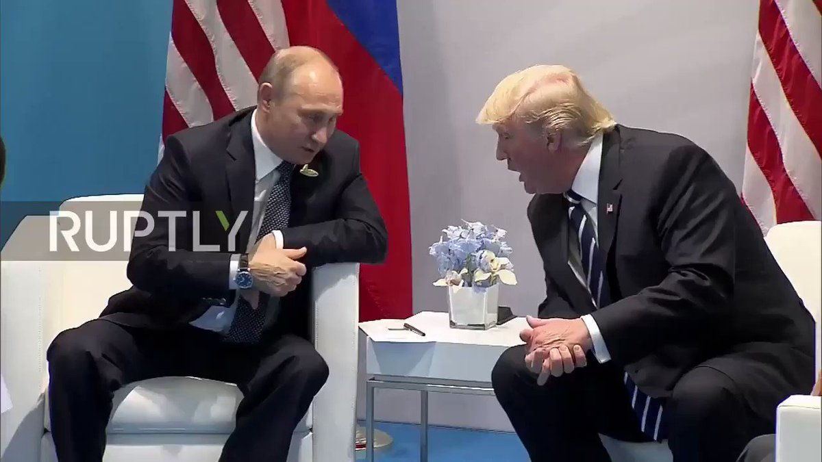'Вот эти тебя обижали?': Путин и Трамп обсудили на встрече журналистов