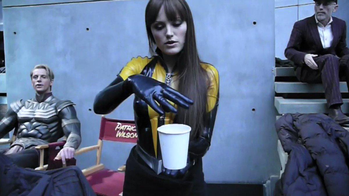 Oh, nothing. Just my magic student @MalinAkerman on the set of Watchmen. #watchmen #matthewgoode @jackieearle https://t.co/9MOl566o5j